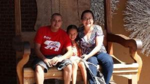 Oswaldo Martinez, wife & daughter