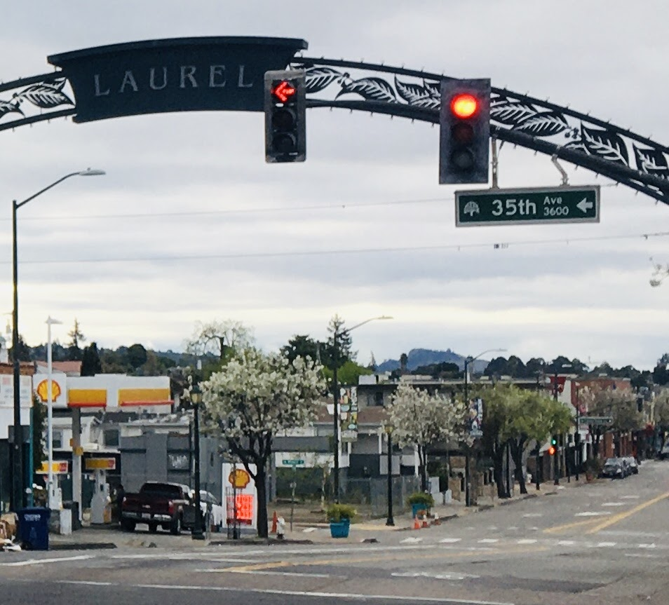 "An arch over the street that says ""Laurel."""